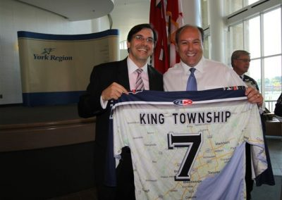 Jersey presentation to King